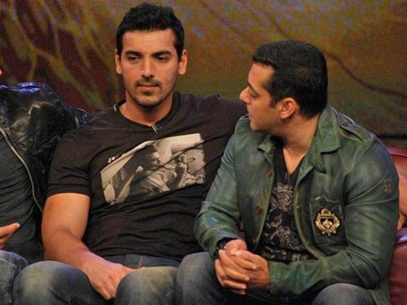 John Abraham and Salman Khan chat up on the sets of Bigg Boss 5.