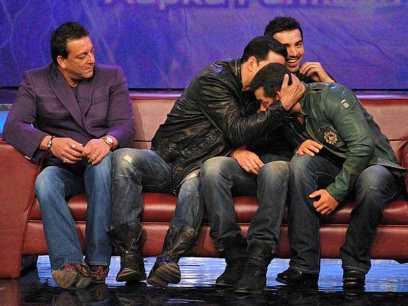 What's cooking between Akshay Kumar and Salman Khan, wonder Sanjay and John.
