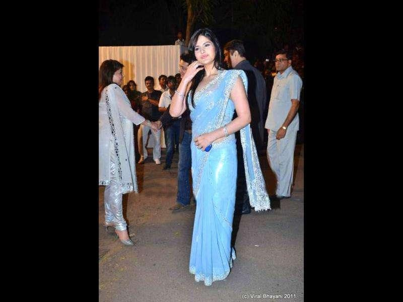 The gorgeous Zarine Khan in a sky blue sari.