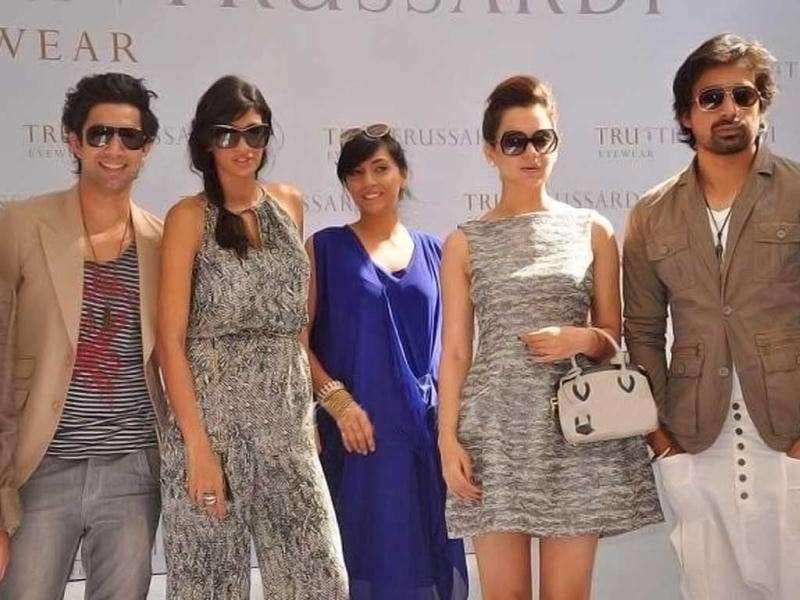 (L-R) Sahil, Anushka, Shweta and Rannvijay also upped the glamour quotient. (Photo: Fashionista, Pinkvilla)