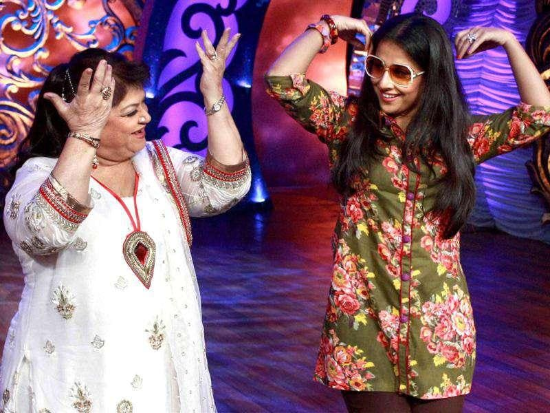 The actor grooves on the sets of choreographer Saroj Khan's dance show Nachle Ve.