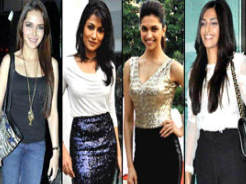 It was raining Bollywood celebs at the premiere of Desi Boyz. Deepika, Sonam, Chitrangada, Ranbir, John and others graced the event. Have a look.