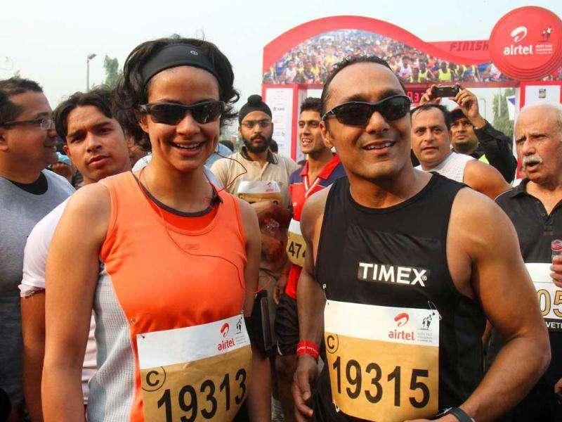 Rahul bose and Gul Panag at the Airtel Delhi Half Marathon. (Photo: HT)