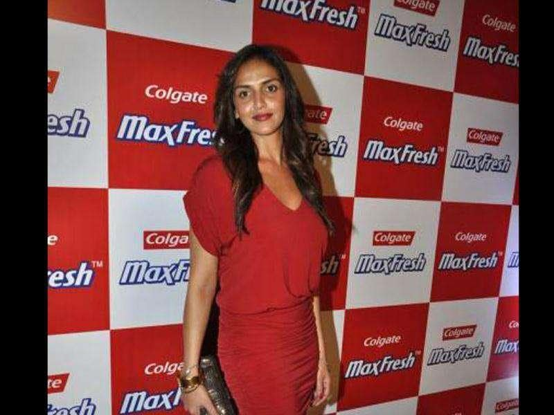 Esha Deol was spotted looking fresh at a Colgate event. (Photo: Bubble, Pinkvilla)