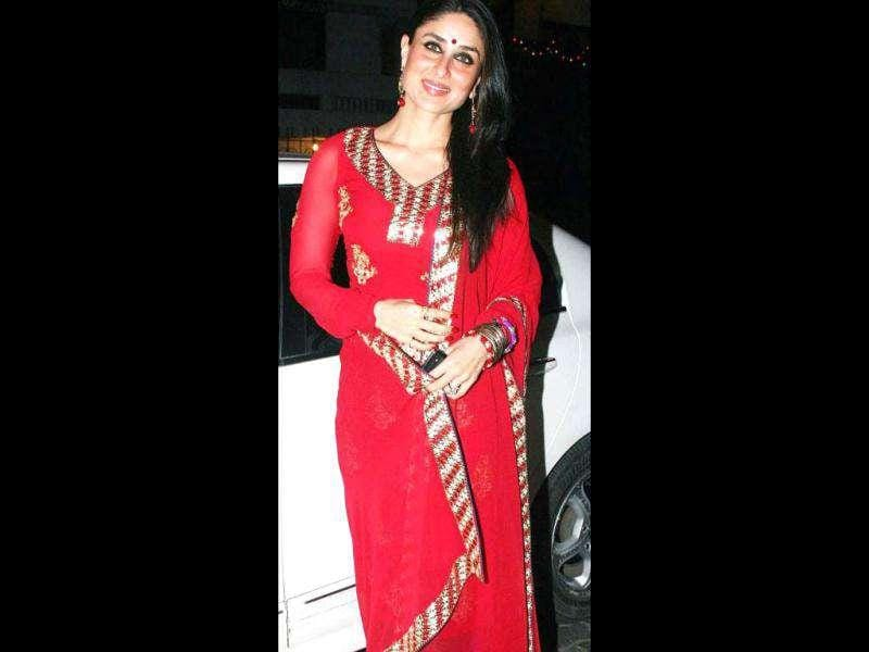 Sexiest Asian woman Kareena Kapoor looks dazzling in a traditional outfit.