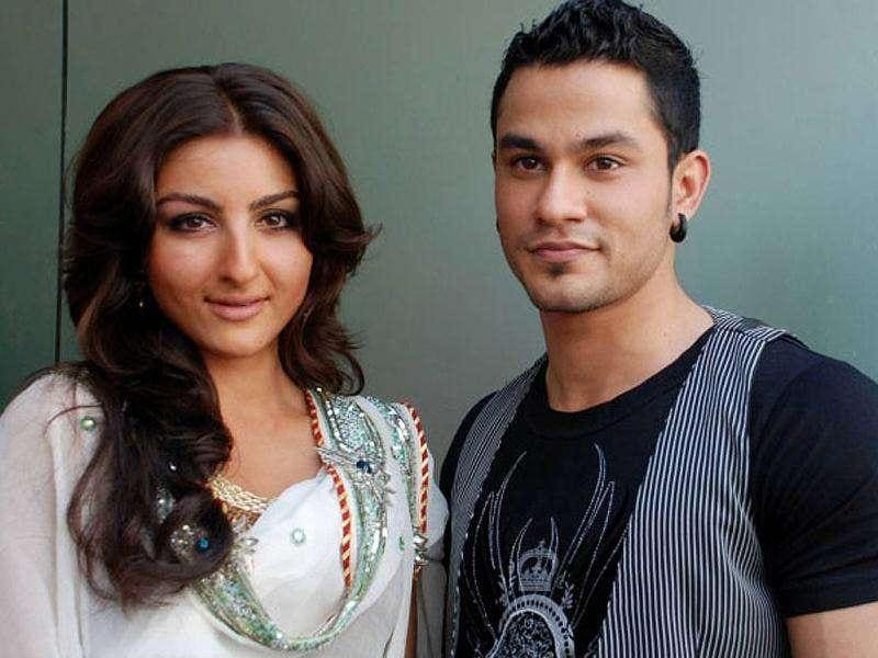 Soha Ali Khan with beau Kunal Khemu.