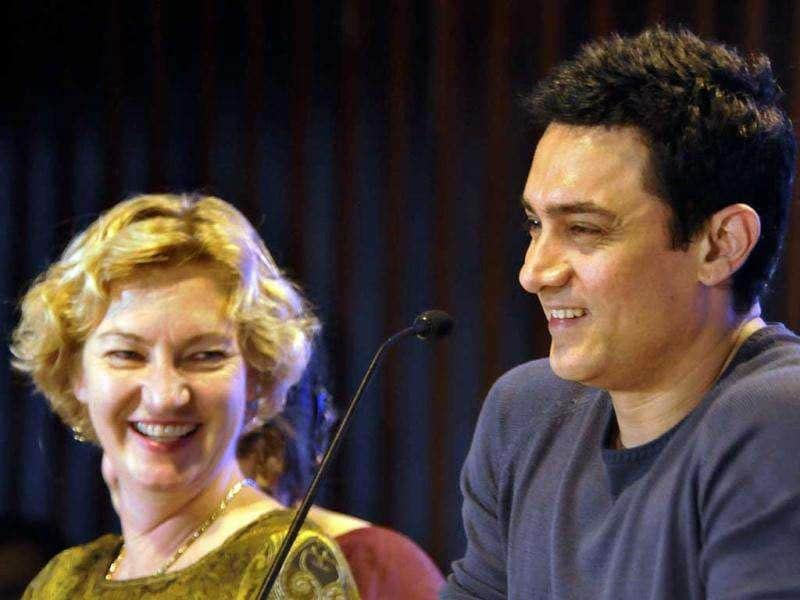 On Aamir's association with the Karin Hulshof (L) even said,