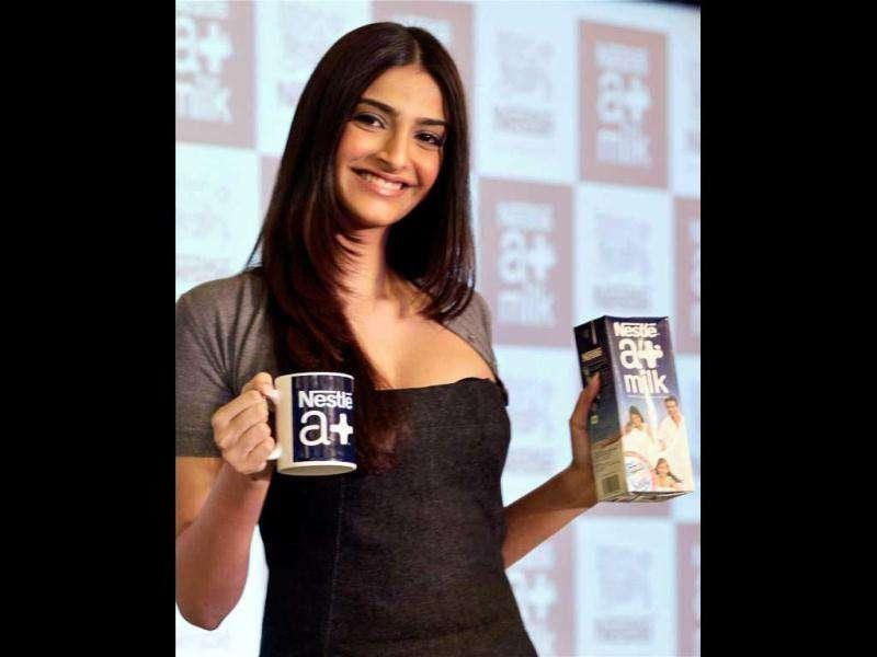As she awaits the release of her upcoming multi-starrer flick Players, Bollywood fashionista Sonam Kapoor launched a Nestle product in her quintessential stylish self. Check out the event pics!