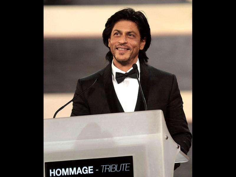 Shah Rukh speaks after being awarded.