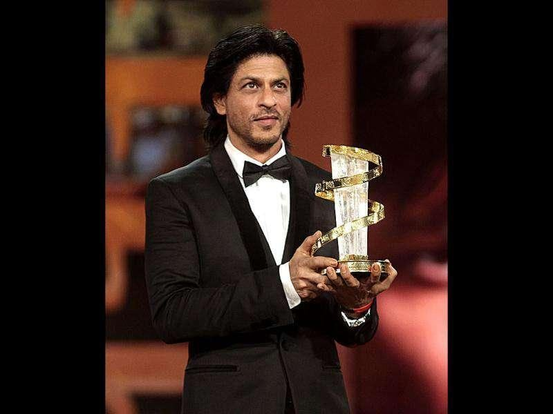 After being appreciated for RA.One in Bollywood, it's now Morocco which is all praise for Shah Rukh Khan. The King Khan got honoured for his work at the Marrakech International Film Festival. See event pics.