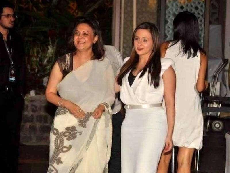 Actor Imran Khan's wife Avantika was seen at the party with her mother. (Photo Courtesy: Bubbles, Pinkvilla)