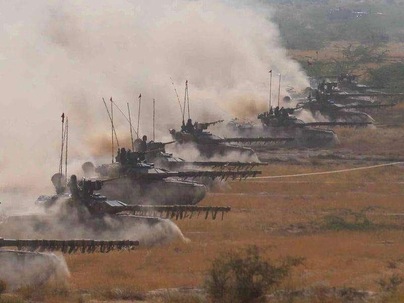 T-90 battle tanks Bhishma participate in the Indian Army exercise Sudershan Shakti at Bagundi 40km south east of Barmer in Rajasthan. HT Photo JASJEET PLAHA