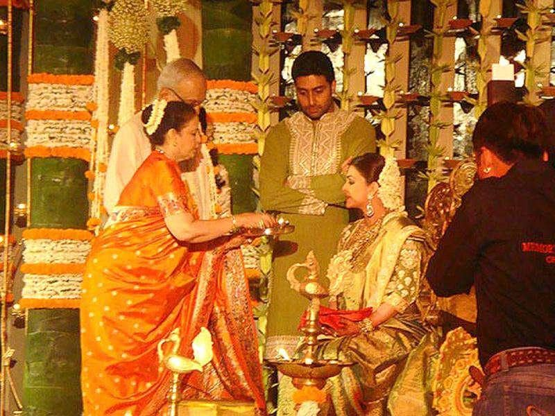 Aishwarya Rai and Abhishek Bachchan with guests at the god-bharai ceremony.