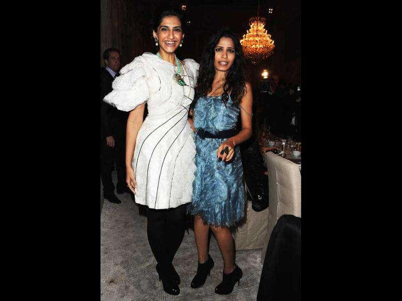 While Freida let her loose, Sonam chose to tie her hair in a stylish bun.
