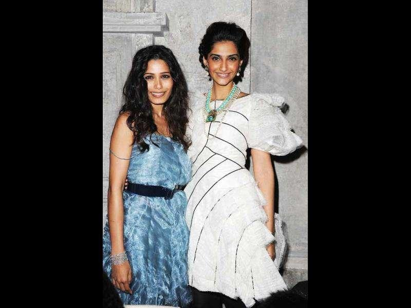 Sonam Kapoor and Freida Pinto pose together.