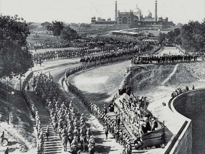 Durbar procession: The 5-mile-long royal procession before the Durbar touched Red Fort, Jama Masjid and Chandni Chowk before reaching Kingsway Camp. King George V was supposed to ride a bedecked elephant but he refused and rode a horse. Delhiites missed the slightly short George V in his marshal uniform. The King later complained of a 'chilly reception'. Photos courtesy: New Delhi: Making of A Capital, Roli Books