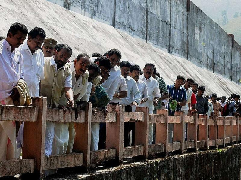 Members of Kerala Assembly Committee visiting the Mullaperiyar dam in Idukki.