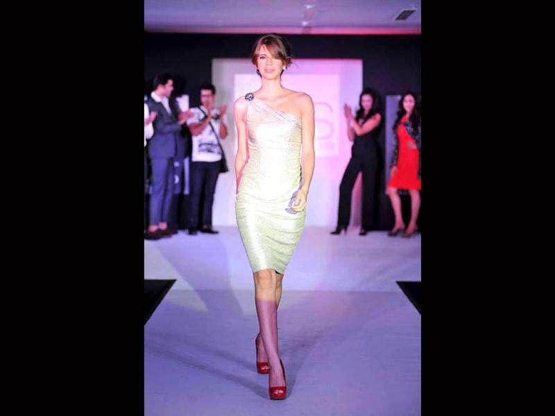 Kalki shows what it takes to be a showstopper at a fashion event.