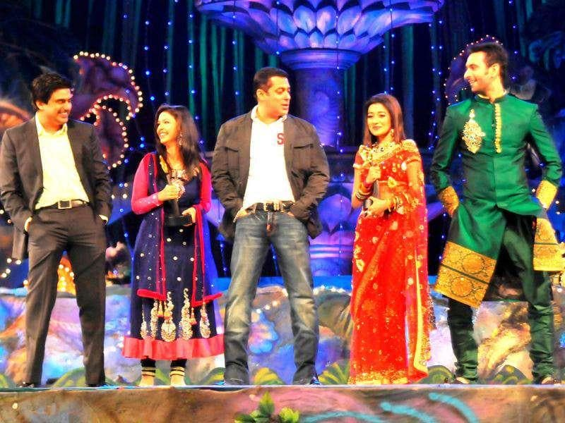 Even the leading pairs of Parichay and Uttaran couldn't stop themselves from dancing to Salman's tunes.