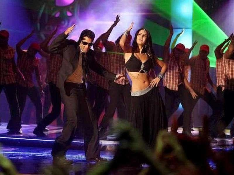 It was the year of Salman Khan! Katrina-Sallu's Aaya re aaya bodyguard was also one of the popular numbers this year.