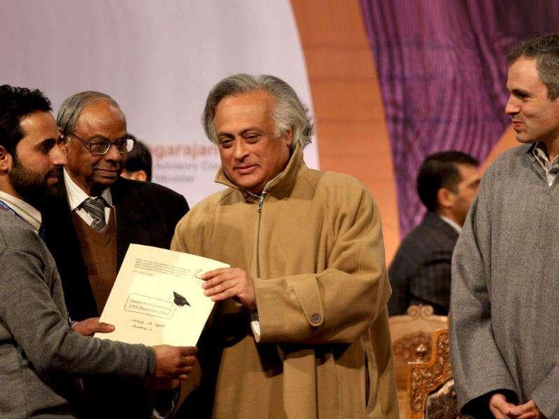 Jairam Ramesh distributes appointment letters under Himayat project, launched to provide skill development training to the unemployed youth of Jammu and Kashmir during a function held in Srinagar. HT Photo/Waseem Andrabi