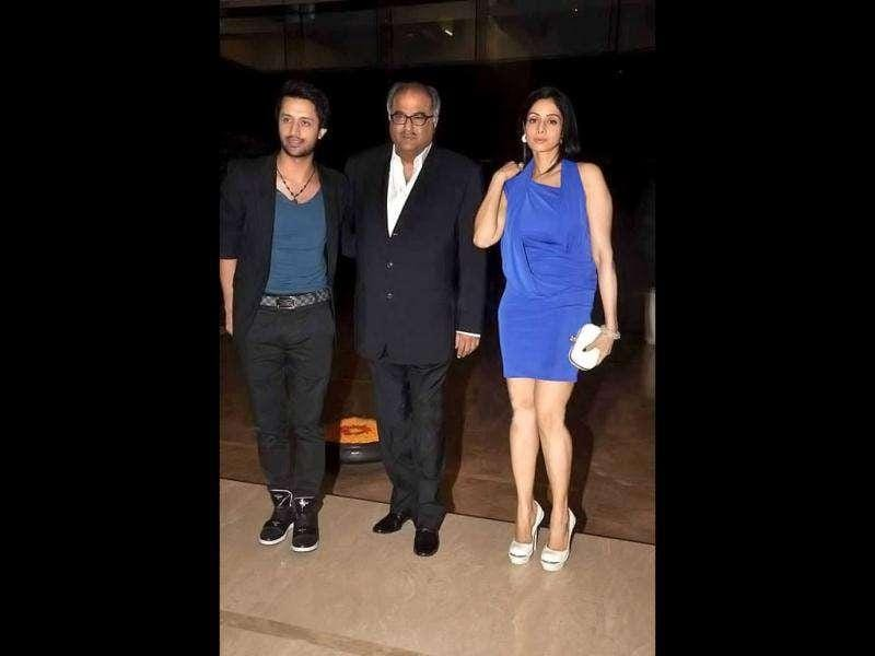 (L-R) Pakistani singer Atif Aslam, Boney Kapoor and his wife Sridevi arrive at the event.