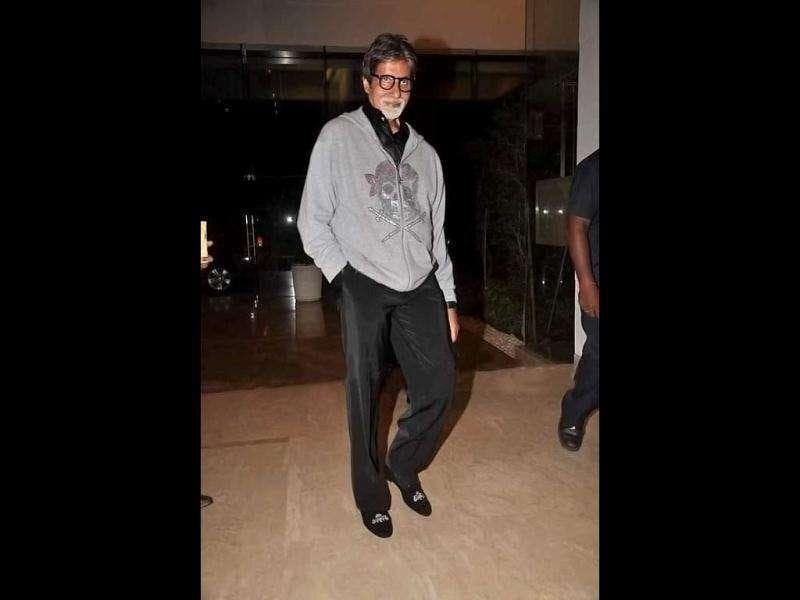 Is that a Jolly Rogers on Amitabh Bachchan's jacket?