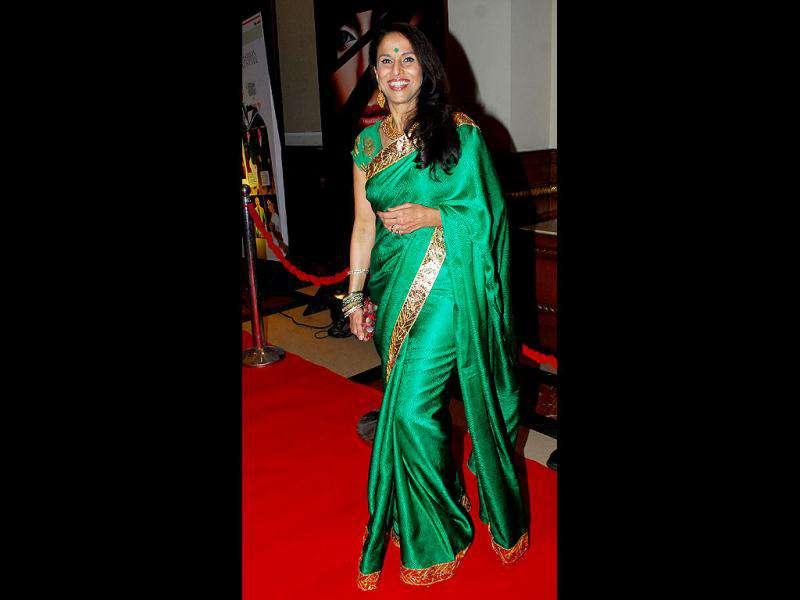 "Most Stylish Author, Shobhaa De made a case for the sari, saying, ""Winning this award proves that age, and the sari, are no bar,"" eliciting a huge cheer from the crowd. (Photo: Prodip Guha)"