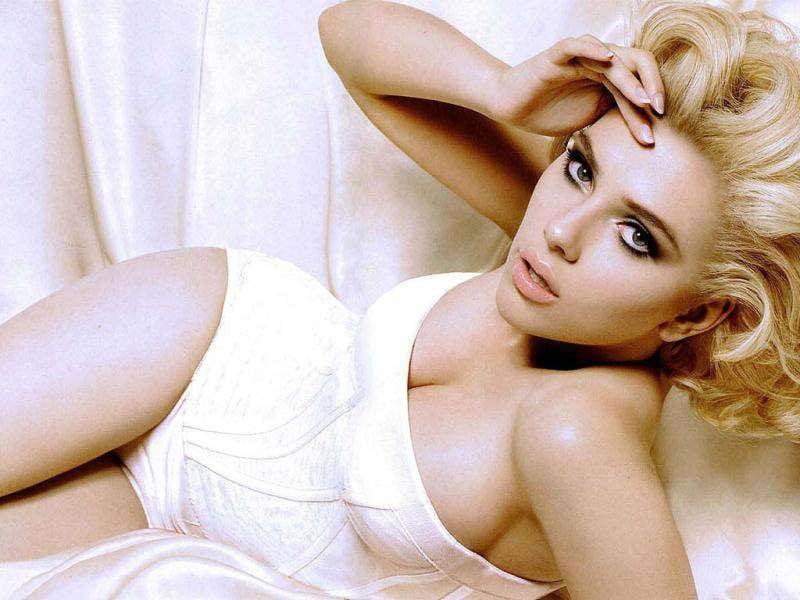 Scarlett Johansson talks sex appeal while naked in shower