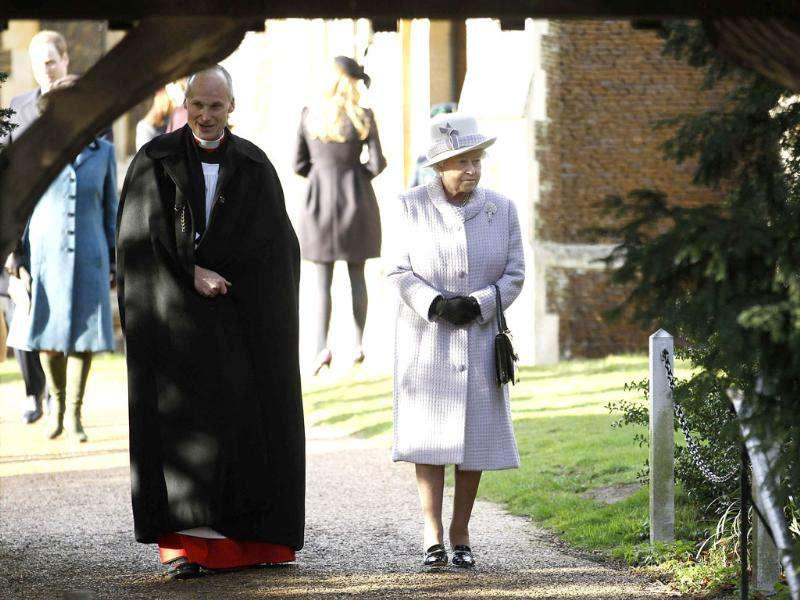 Britain's Queen Elizabeth leaves a Christmas Day service at St Mary Magdalene Church on the Royal estate at Sandringham, Norfolk in east England. Reuters/Suzanne Plunkett