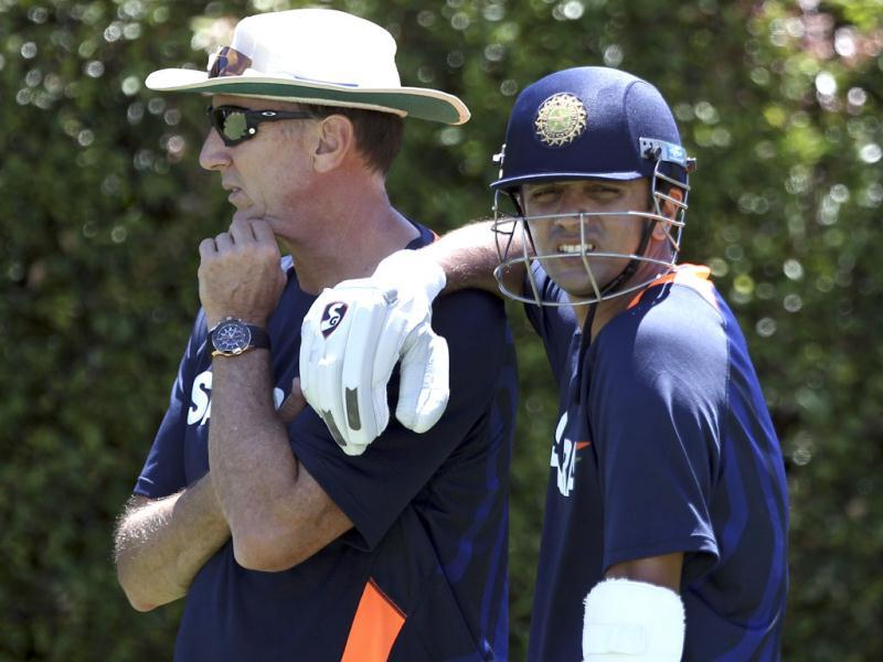 Rahul Dravid leans on hsi coach during a training in Sydney, Australia. AP Photo/Rob Griffith