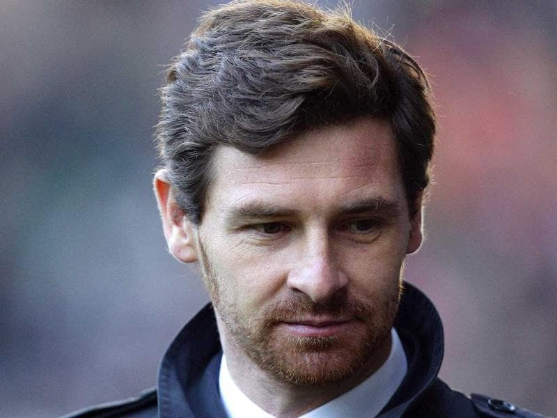 Chelsea's manager Andre Villas Boas takes to the touchline before his team's English Premier League soccer match against Wolverhampton Wanderers at Molineux Stadium, Wolverhampton, England. AP Photo