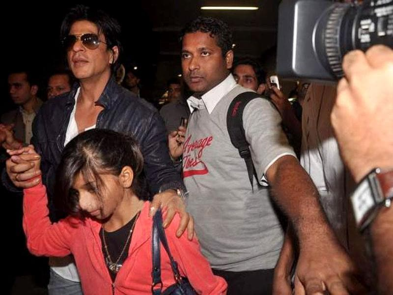 Shah Rukh's daughter Suhana holds on to daddy dearest.