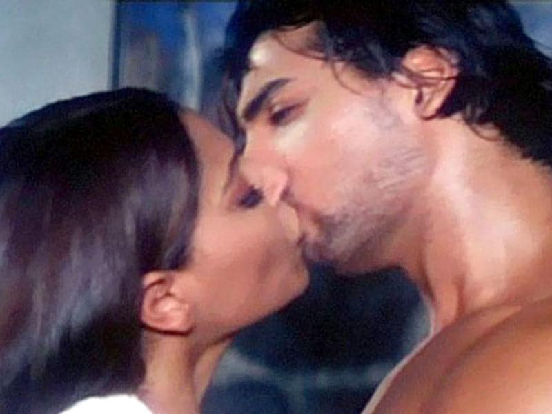 Bipasha Basu got intimate with John Abraham in Jism. The two were also dating at that time.