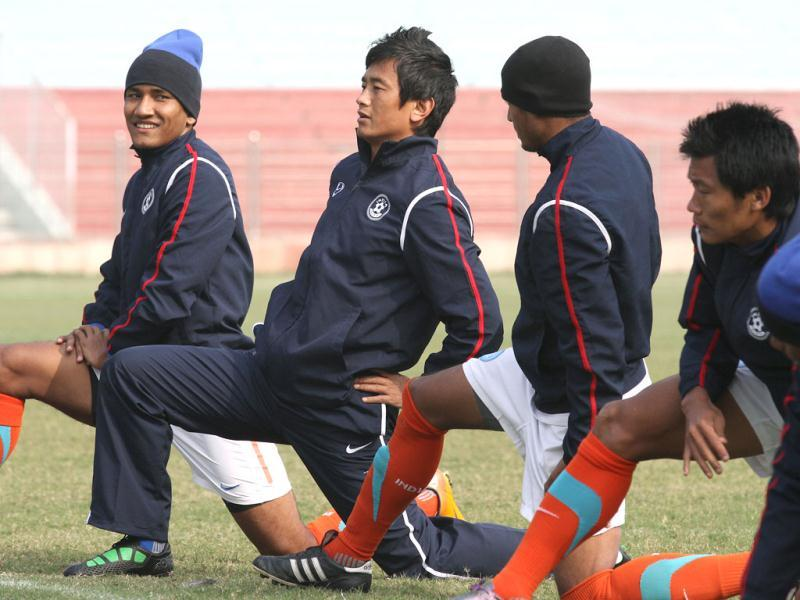 Bhaichung Bhutia practises with teammates at Ambedkar Stadium in New Delhi ahead of the game agianst German giants Bayern Munich on January 10. HT/Virendra Singh Gosain