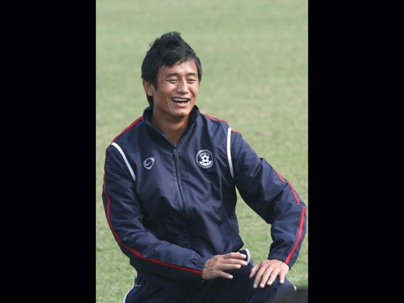 Bhaichung Bhutia practises at Ambedkar Stadium in New Delhi ahead of the game agianst German giants Bayern Munich on January 10. HT/Virendra Singh Gosain
