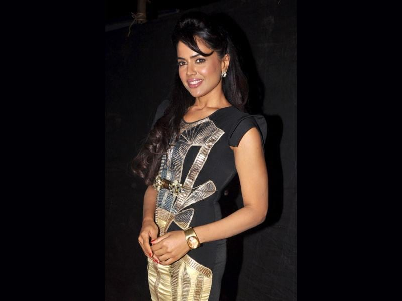Sameera Reddy poses for the shutterbugs.