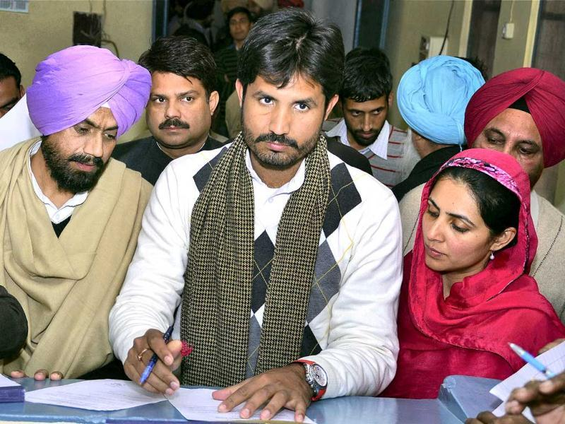 Youngest Congress candidate in Punjab Amrinder Singh Raja filing nomination papers from Gidderbaha assembly seat in Bathinda. PTI Photo