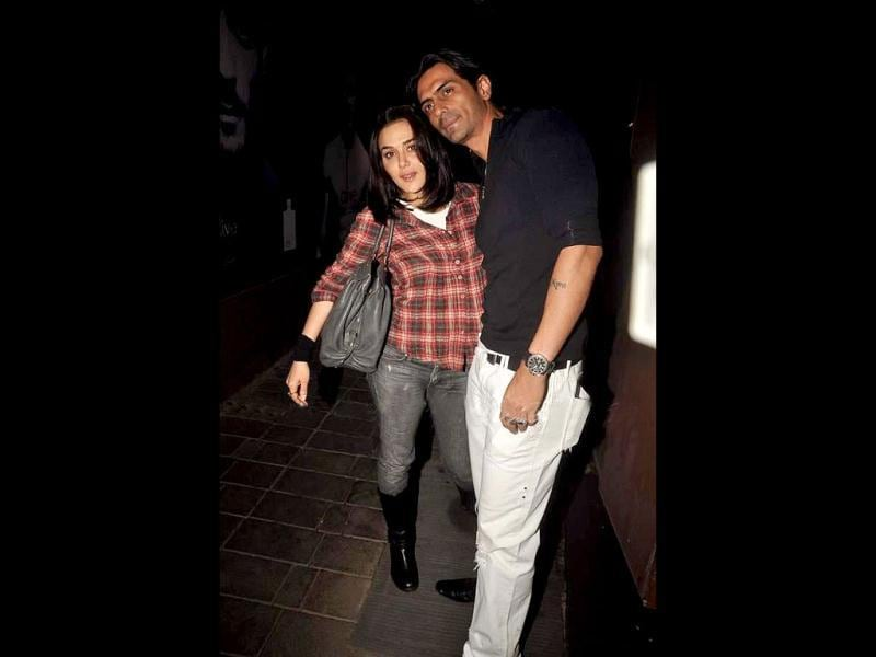 Preity Zinta poses with Arjun Rampal.