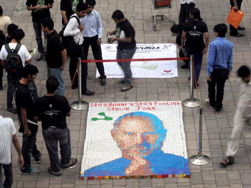 Students from Veermata Jijabai Technological Institute (VJTI) displayed the portrait as part of their 'Technovanza 2012' show. AFP Photo