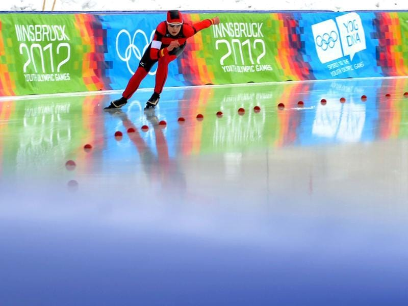 Leia Behlau of Germany competes during the men's 500m speed skating event at the winter Youth Olympic Games 2012 in Innsbruck. (AFP Photo/Samuel Kubani)