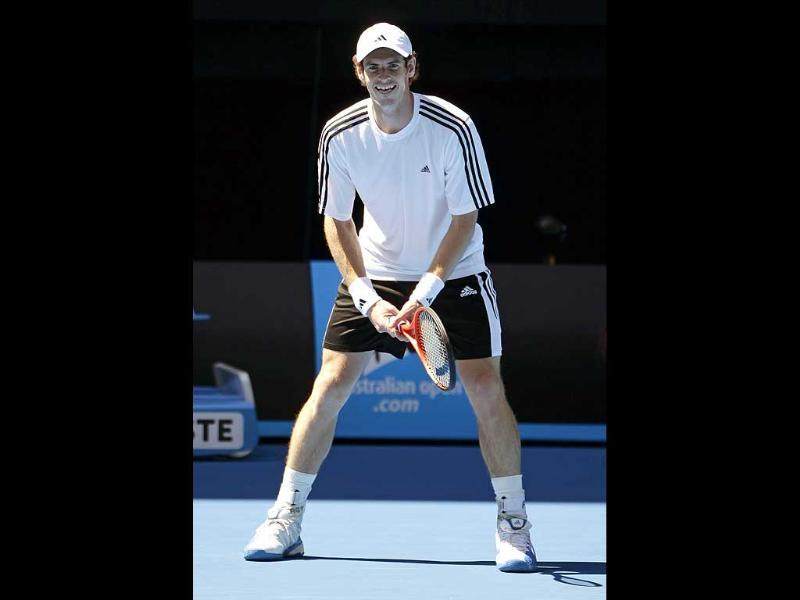 Andy Murray of Britain works out for the Australian Open tennis championship, in Melbourne. AP Photo/Sarah Ivey