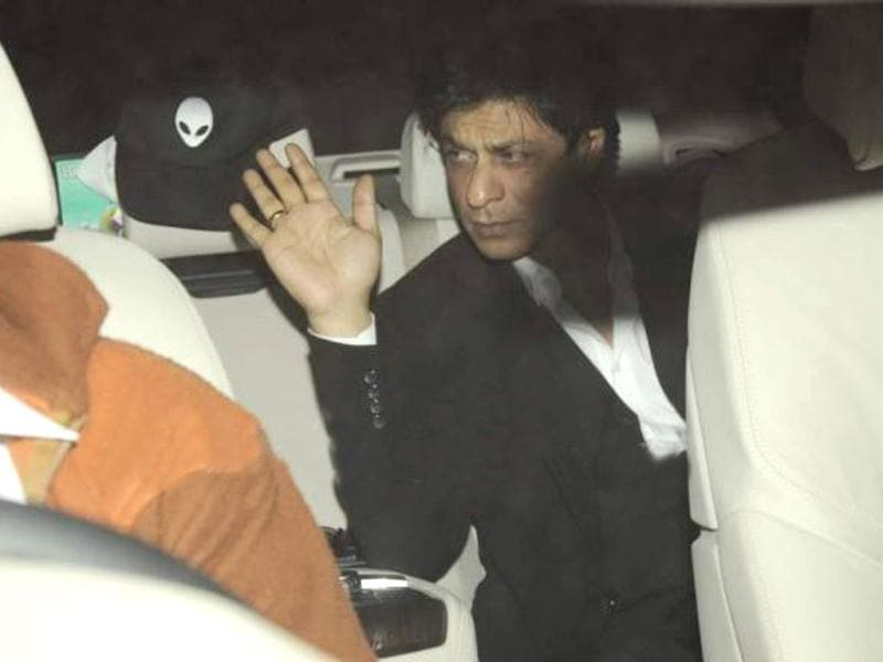 The King made his presence without wife Gauri.