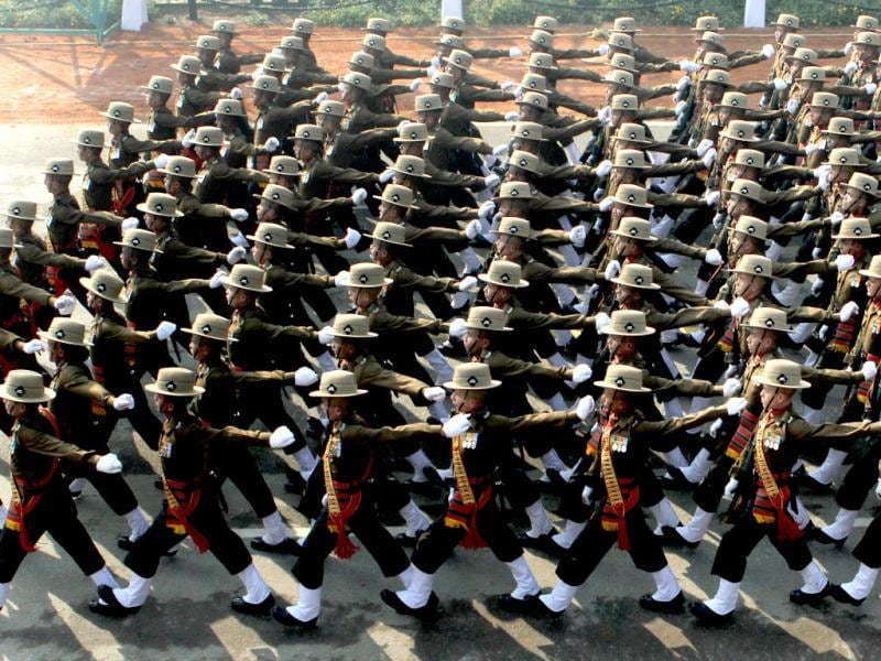 An Army contingent passes before the saluting base during the Republic Day dress rehearsal at Rajpath in New Delhi. (HT Photo/Mohd Zakir)