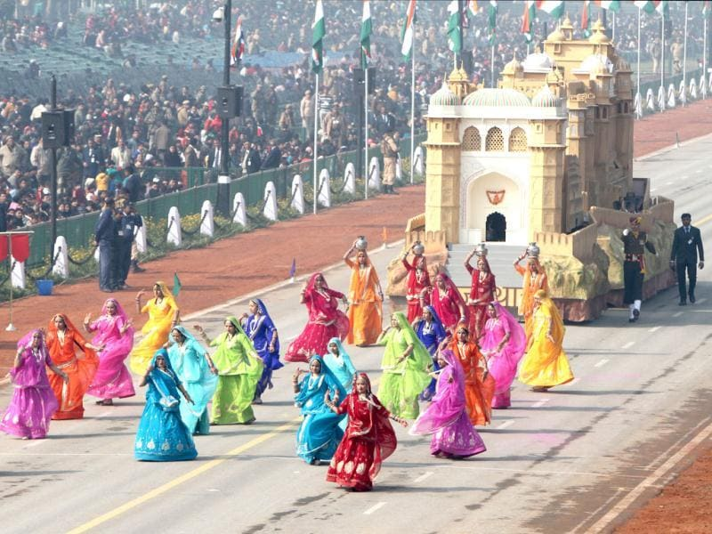 The tableau of Rajasthan passes before the saluting base during the Republic Day rehearsal on Rajpath in New Delhi. (HT Photo/Mohd Zakir)