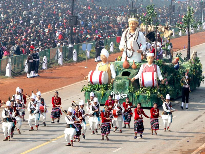 The tableau of Sikkim passes before the saluting base during the Republic Day rehearsal on Rajpath in New Delhi. (HT Photo/Mohd Zakir)