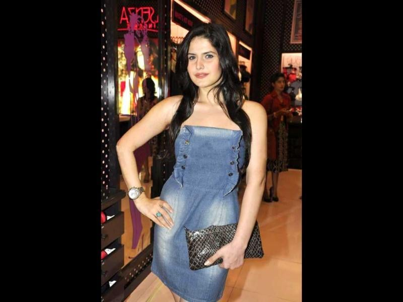 Zarine Khan also made her presence at the event.