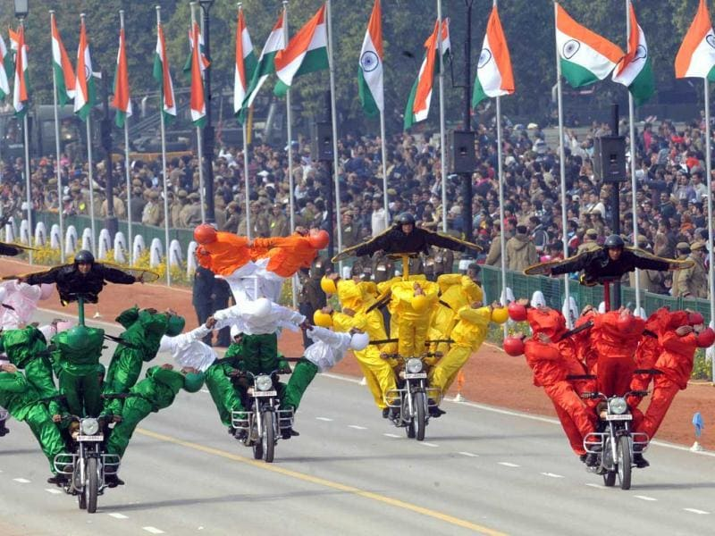 Border Security Force (BSF) soldiers perform a motorcycle stunt during the Republic Day parade in New Delhi. AFP Photo/Raveendran
