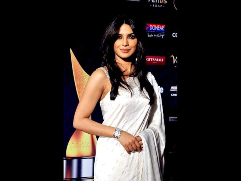 Priyanka Chopra went for a rather plain and simple sari this time, with nothing to write home about.
