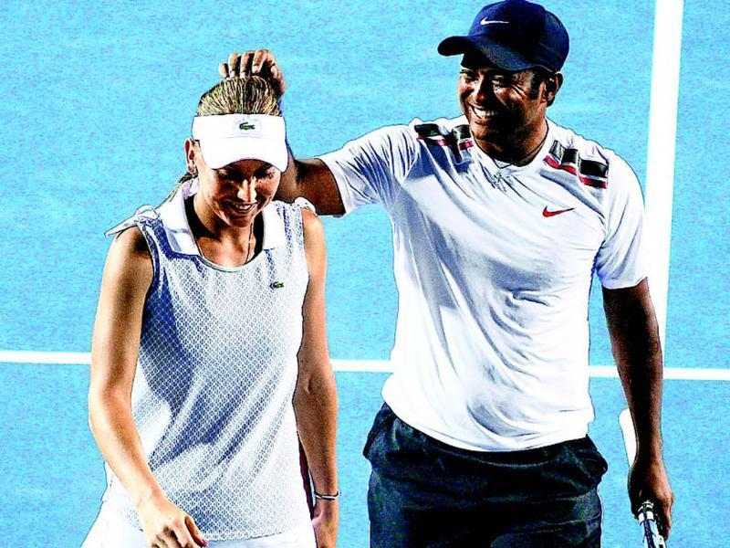 Leander Paes (R) and Elena Vesnina fought back from a set down to enter the mixed doubles final on Friday.